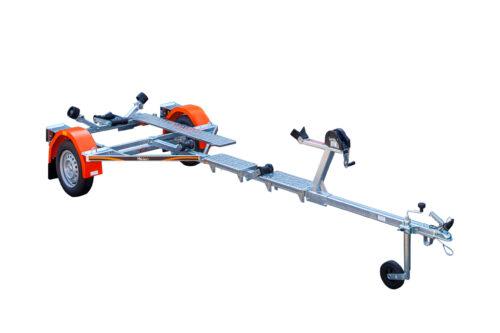 Laadukkaista materiaaleista valmistettu venetraileri. Suositeltu maksimissaan 4,5m pitkille veneille.
